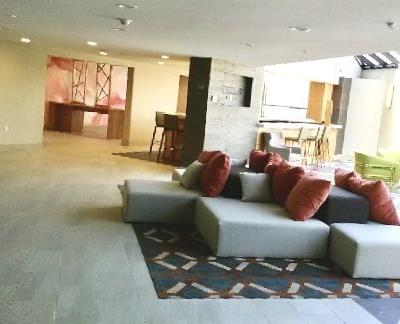 Double-TreeDoubletree-Hotel-Pomona-09